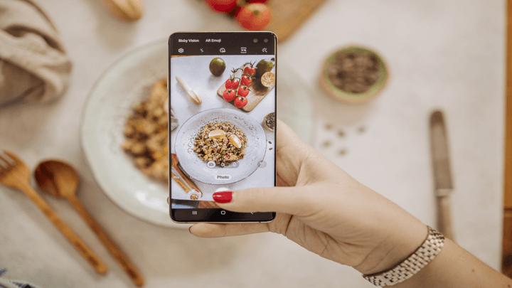 I cinque consigli di Samsung e del fotografo Neri Oddo per fotografare il cibo dell'estate