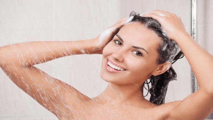 I benefici della doccia fredda al mattino